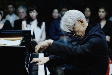 坂本龍一 PERFORMANCE IN NEW YORK : async